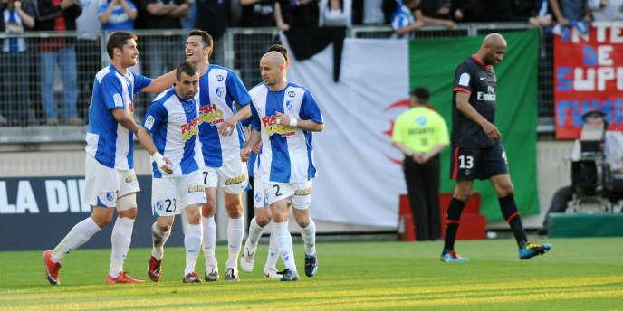 Grenoble jouait en Ligue 1 lors de la saison 2009-2010.