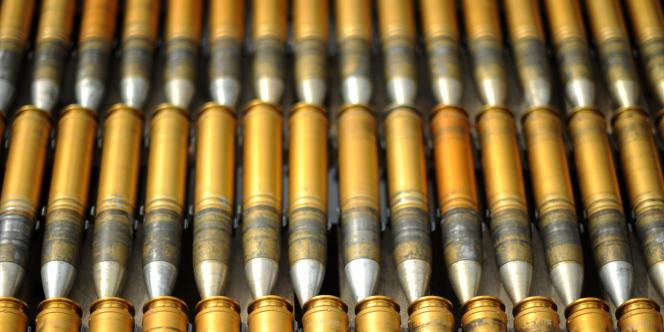 Stock de munitions d'un Finmeccanica SpA Apache AH MK1 présenté au Farnborough International Airshow, le 20 juillet 2010.