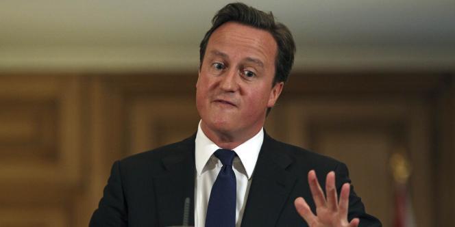 David Cameron lors d'une conférence de presse au 10, Downing Street, le 8 juillet 2011.