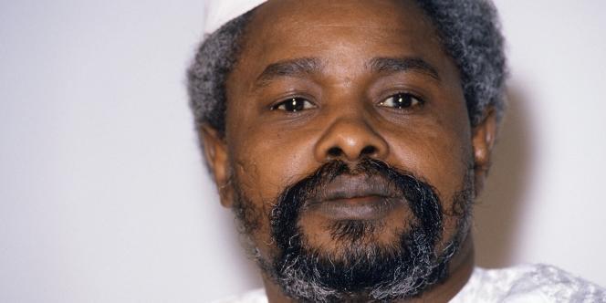 Hissène Habré, l'ex-dictateur tchadien, est accusé de crimes contre l'humanité par des ressortissants de son pays, qui ont saisi la justice sénagalaise.