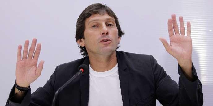 Le directeur technique du Paris-Saint-Germain, Leonardo, s'est vu infliger une lourde peine pour avoir bousculé l'arbitre Alexandre Castro après un match de Ligue 1.