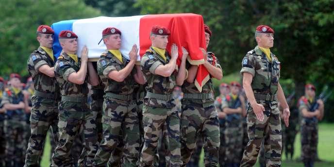 Depuis le début de l'intervention française en Afghanistan, 74 soldats français ont été tués.