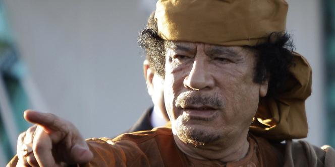 Le colonel Kadhafi, le 10 avril 2011 dans sa résidence.