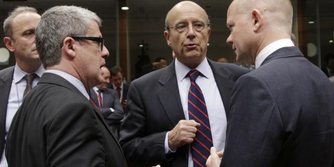 Les ministres des affaires étrangères européens tiennent ludi 18 juillet une table ronde sur le processus de paix au proche-orient, la Libye, la Syrie, le Liban, le Pakistan et l'Afghanistan.