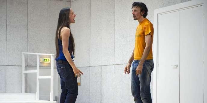 Audrey Bonnet et Stanislas Nordey dans la pièce de Pascal Rambert,