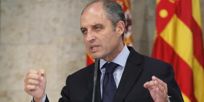 Francisco Camps, lors de son discours de démission, mercredi 20 juillet à Valence.