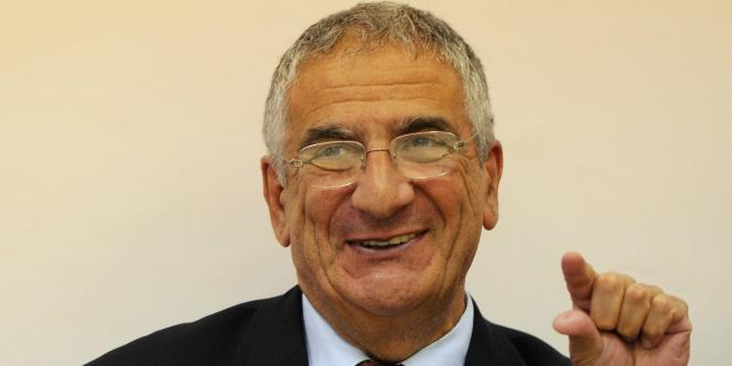 La démission du président fondateur du Samu social, Xavier Emmanuelli, a précipité le mouvement social.