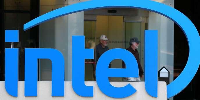 Le logo de l'entreprise Intel.