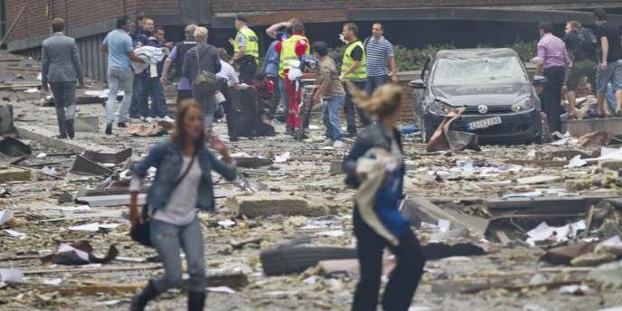La première réunion s'est ouverte par une réflexion sur les attaques meurtières, en Norvège, au mois de juillet, du fait d'un militant d'extrême droite anti-musulman.
