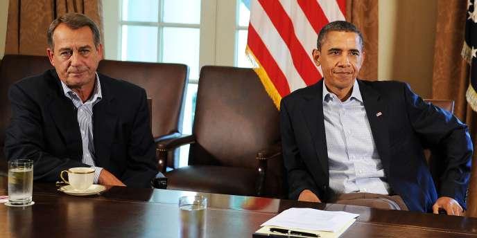 Le camp républicain accuse le président Obama de laisser pourrir la situation en n'adressant plus la parole à John Boehner (à gauche), le président de la Chambre des représentants, pour résoudre le problème du