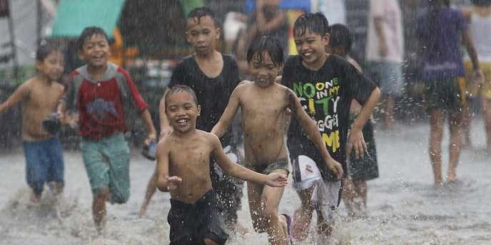 En 2009, de violentes tempêtes tropicales avaient provoqué la mort de 1 000 personnes et 10 millions de philippins avaient été affectées par les inondations.