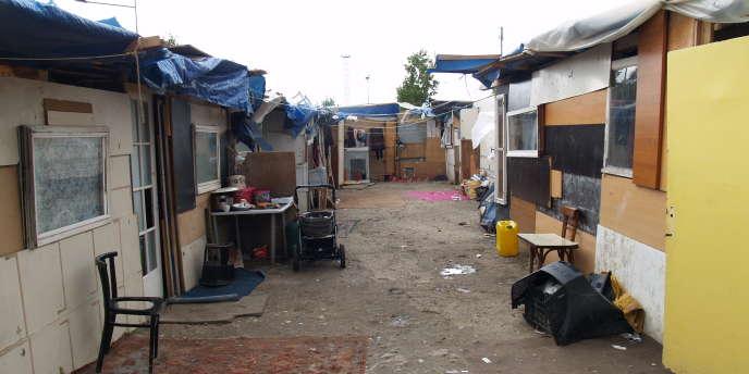 Dans un camp de Roms à Aubervilliers, le 27 juillet 2010.