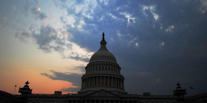 La loi Fatca a été promulguée le 18 mars 2010 après avoir été adoptée par le Congrès, dont les deux Chambres étaient alors à majorité démocrate.