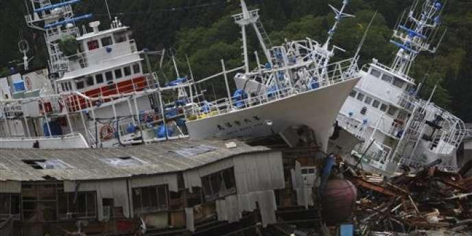 Le port de Kesennuma, quelques jours après le tsunami du 11 mars 2011 au Japon.