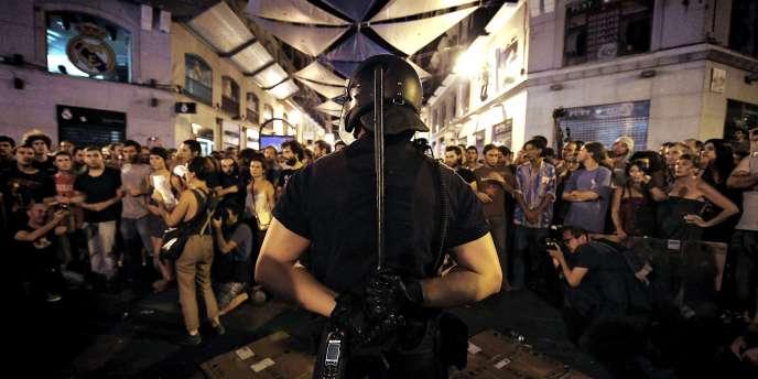 Plus de 200 policiers ont été mobilisés jeudi autour de la Puerta del Sol.