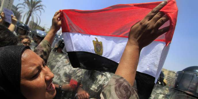 La place Tahrir, dans le centre du Caire, est devenue le symbole de la révolte populaire.