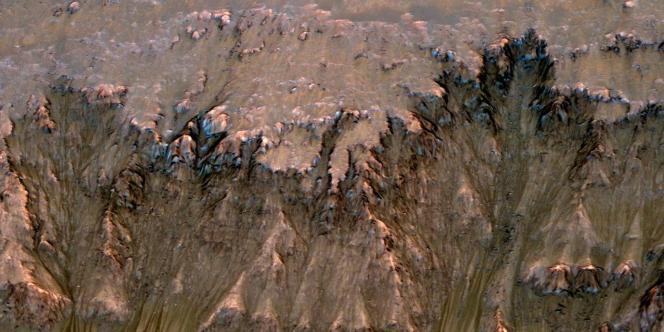 De l'eau liquide pourrait avoir été découverte sur Mars, a annoncé jeudi 4 août la NASA.