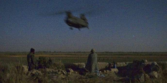 Hélicoptère dans le district de Zari, dans la province de Kandahar, en octobre 2010.