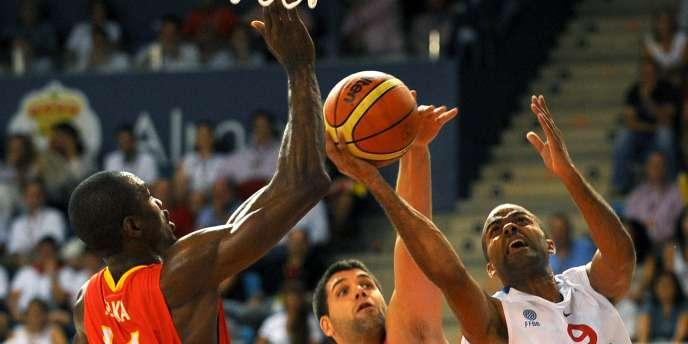 Les Français se sont inclinés 77à 53 face aux champions d'Europe espagnols mardi à Almeria.