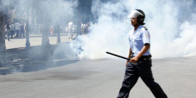 Des heurts entre manifestants et policiers ont éclaté, lundi 15 août, en Tunisie.