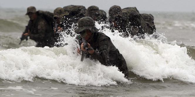 Un commando spécial de l'armée sud-coréenne en plein exercice à Taean, en Corée du Sud, le mardi 16 août.