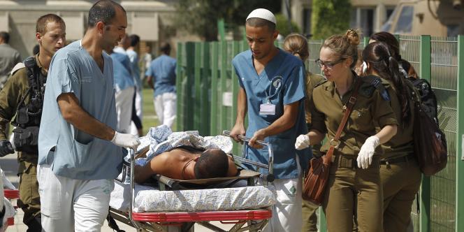 Les médecins israéliens protestent contre la faiblesse des salaires et la médiocrité des conditions de travail.