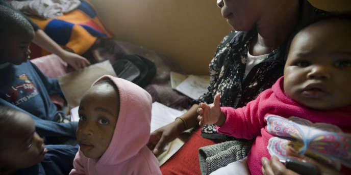 Les traitements antirétroviraux à doses pédiatriques ne sont aujourd'hui dispensés qu'à 28 % des 3,3 millions d'enfants infectés.