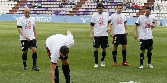 Les joueurs du Rayo Vallecano protestaient en avril contre des impayés de salaires.