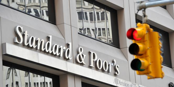 L'agence Standard & and Poor's voit en 2013 une année charnière où l'union monétaire