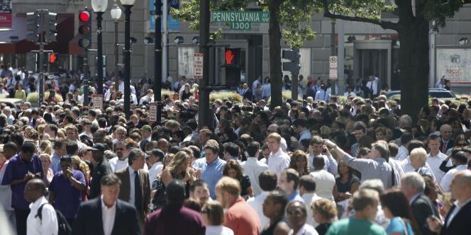 A Washington, tout le monde est descendu dans les rues, comme ici sur Pennsylvania Avenue, après le séisme qui a frappé la côte est, mardi 23 août.
