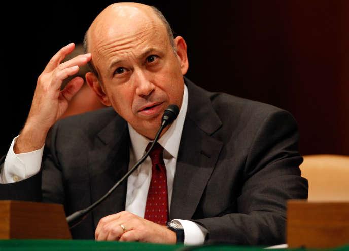 Lloyd Blankfein, le PDG de Goldman Sachs, après être passé pour le patron le plus arrogant du monde, en comparant en pleine crise financière son travail à celui de Dieu, n'a aujourd'hui pas son pareil pour la jouer profil bas.