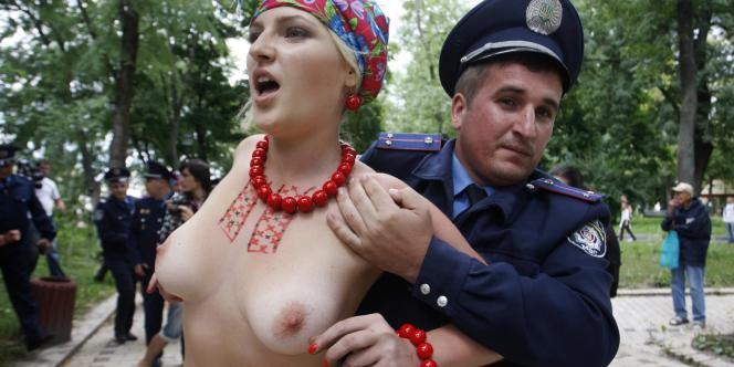 Une militante de Femen, une organisation féministe qui lutte contre la corruption, la prostitution et la censure politique.