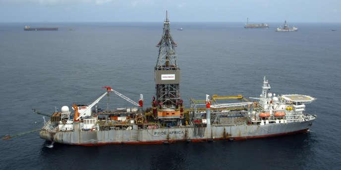 Vue générale de l'exploitation offshore en eau profonde de Total Fina Elf au large de l'Angola.