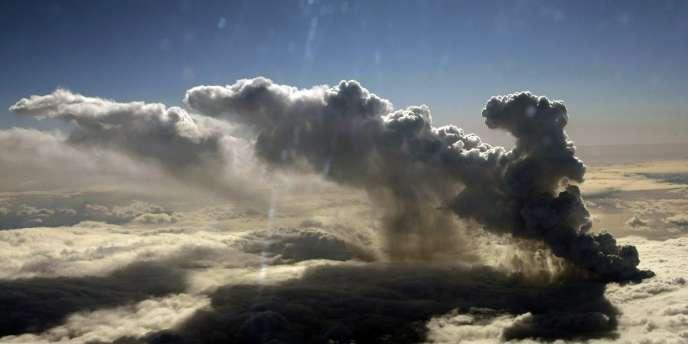 Les nuages ont commencé leur chorégraphie.