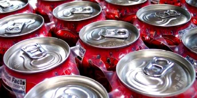 Sodas algériens ou tunisiens dont les cannettes arborent les couleurs des pays du Maghreb, succès des sodas du terroir français... le marché des boissons