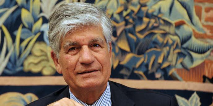 Les actionnaires de Publicis ont approuvé à 78,8 % le salaire brut de 4,8 millions d'euros de Maurice Lévy pour 2012, une rémunération indexée sur les résultats du groupe de communication.
