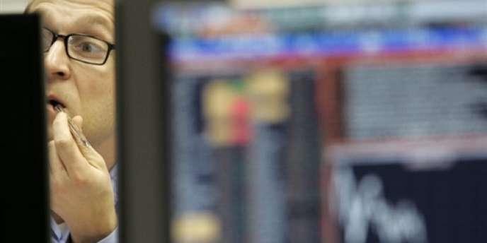 « Le refroidissement des relations avec l'Occident apparaît comme un facteur négatif important pour la croissance économique et joue sur les fuites des capitaux », a déclaré, lundi 24 mars, Andreï Klepatch,le vice-président russe de l'économie.