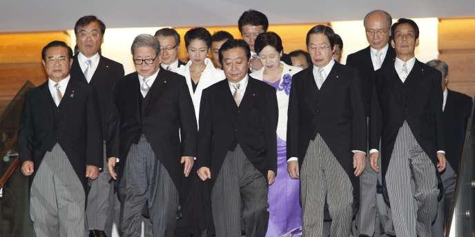 Yoshihiko Noda, au centre, et les membres de son gouverment, le 2 septembre 2011.