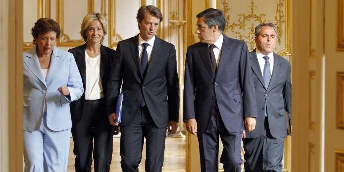 François Fillon entouré de Valérie Pécresse et François Baroin  à l'hôtel Matignon avant la présentation des principales mesures d'austérité budgétaire, le 24 août.