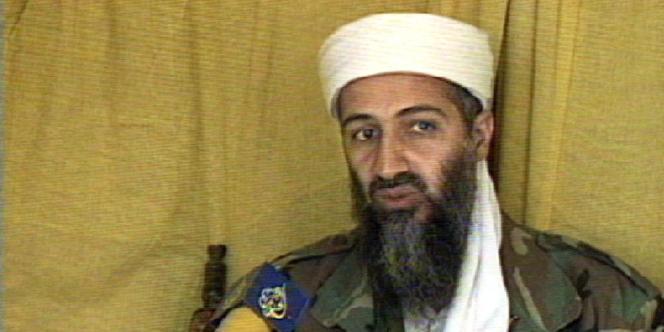 Capture d'écran de la chaîne Al-Jazira montrant Oussama Ben Laden lors d'une interview, le 10 juin 1999.