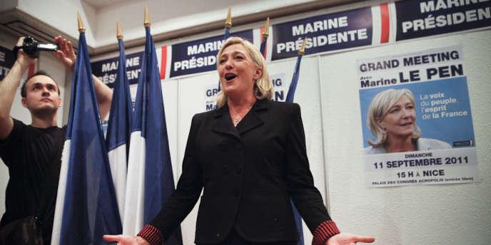 A la veille des Journées d'été du Front national, Marine Le Pen rencontre les jeunes du FN, vendredi 9 septembre 2011.