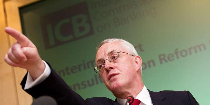 John Vickers a présidé la commission britannique indépendante sur les banques. Il a remis son rapport au gouvernement à l'automne 2011.