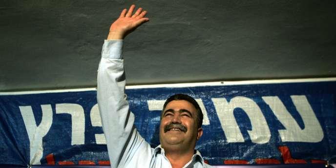 En Israël, le second tour a opposé l'ex-journaliste Shelly Yacimovich à l'ex-syndicaliste Amir Peretz - ici, le 29 mai 2007 à Tel Aviv.
