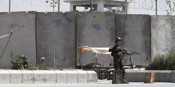 Dans les prisons afghanes, certains détenus seraient battus à coups de tuyau en plastique, menacés d'agression sexuelle et subiraient des chocs électriques - ici, la prison de Kandahar le 25 avril 2011.