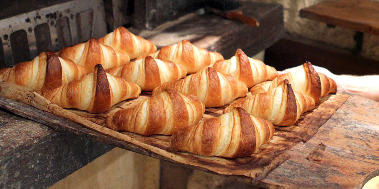 https://img.lemde.fr/2011/09/14/1492/9/2350/1175/1440/720/60/0/ill_1572374_9db8_croissants.jpg