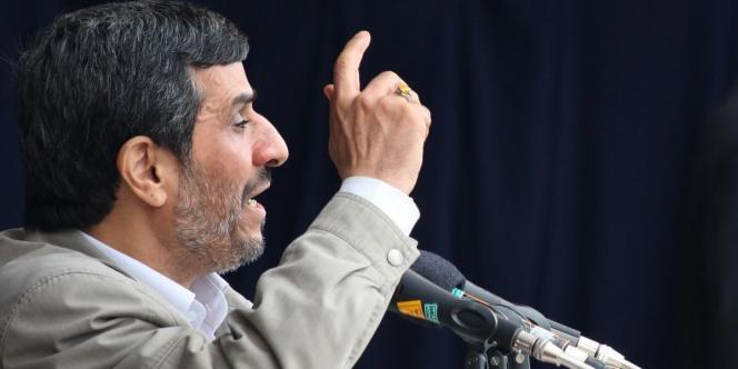 Le président Ahmadinejad fait face à un parlement hostile depuis près d'un an. Les législatives de vendredi n'ont pas changé la donne.