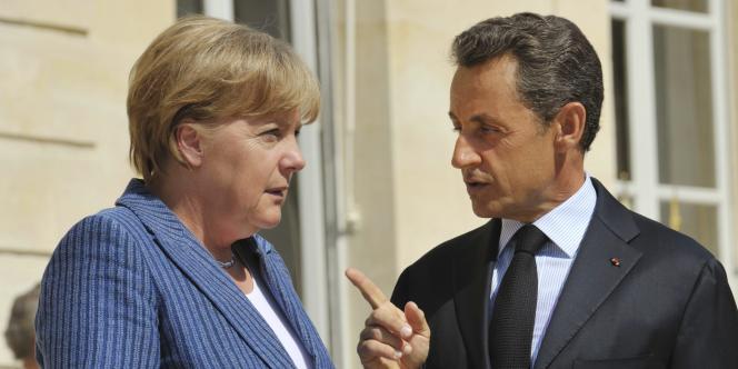 La chancelière allemande, Angela Merkel, et le président français, Nicolas Sarkozy, à Paris le 16 août 2011.