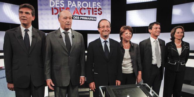 Les candidats à la primaire PS lors du premier débat, le 15 septembre 2011.