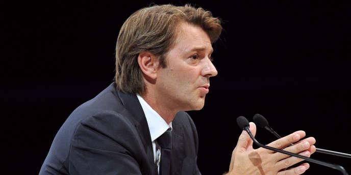 Le ministre de l'économie, François Baroin, en a tiré les conséquences en portant de 0,5 % à 0,7 % sa prévision de croissance pour 2012.