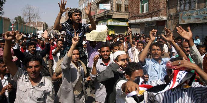 Les forces de sécurité ont ouvert le feu pour disperser des dizaines de milliers de protestataires rassemblés sur la